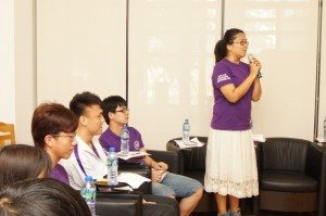 A student shared her experiences and ideas of National Chengchi University RCs Visit